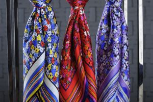 More Popular Promotion Fashion Women 100% Silk Scarf
